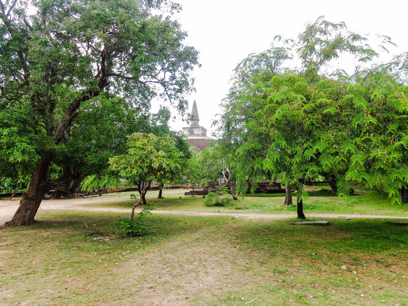 Rankoth-Vehera-Ancient-City-of-Polonnaruwa-1