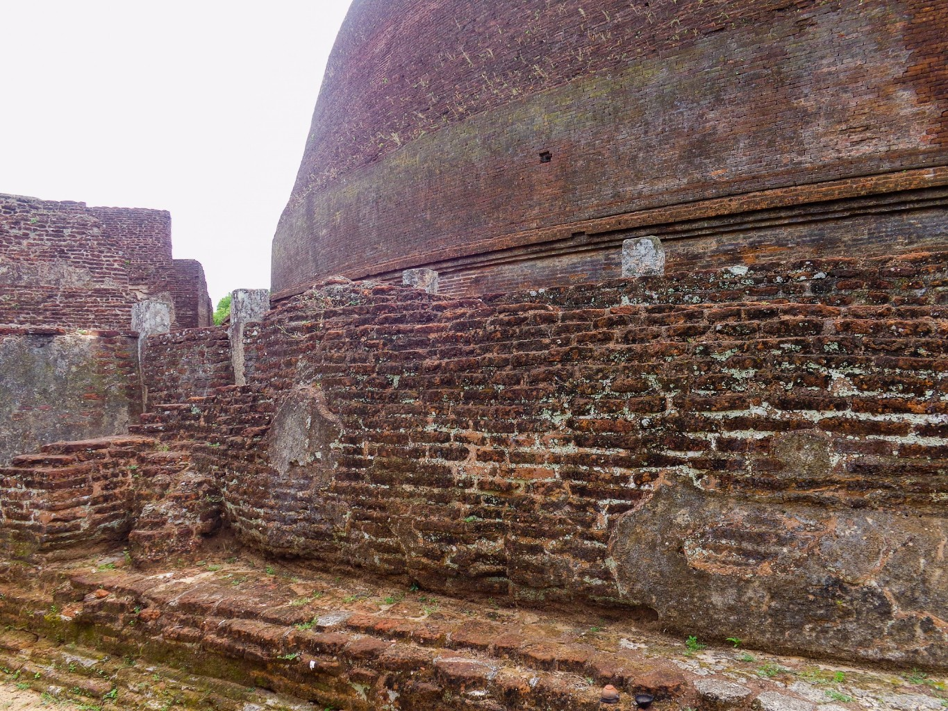 Rankoth-Vehera-Ancient-City-of-Polonnaruwa-10