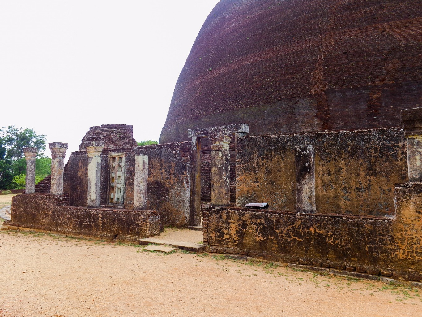Rankoth-Vehera-Ancient-City-of-Polonnaruwa-11