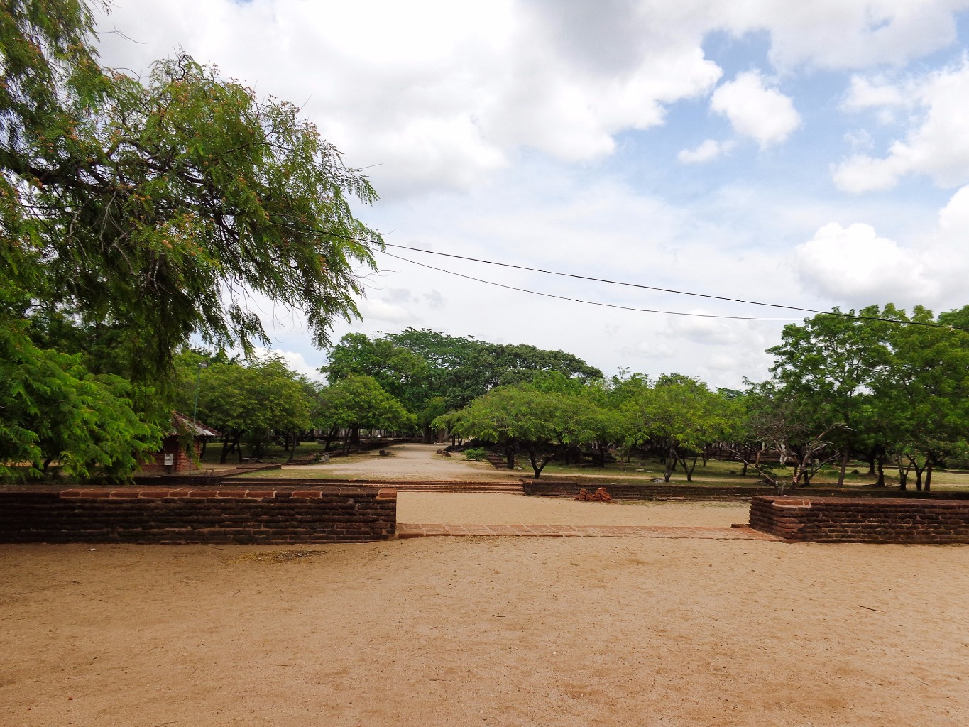 Rankoth-Vehera-Ancient-City-of-Polonnaruwa-13