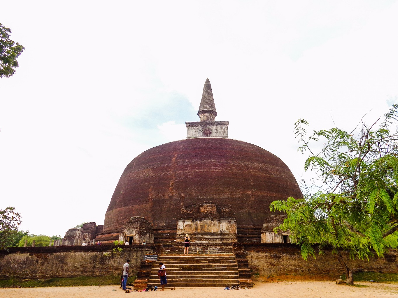 Rankoth-Vehera-Ancient-City-of-Polonnaruwa-6