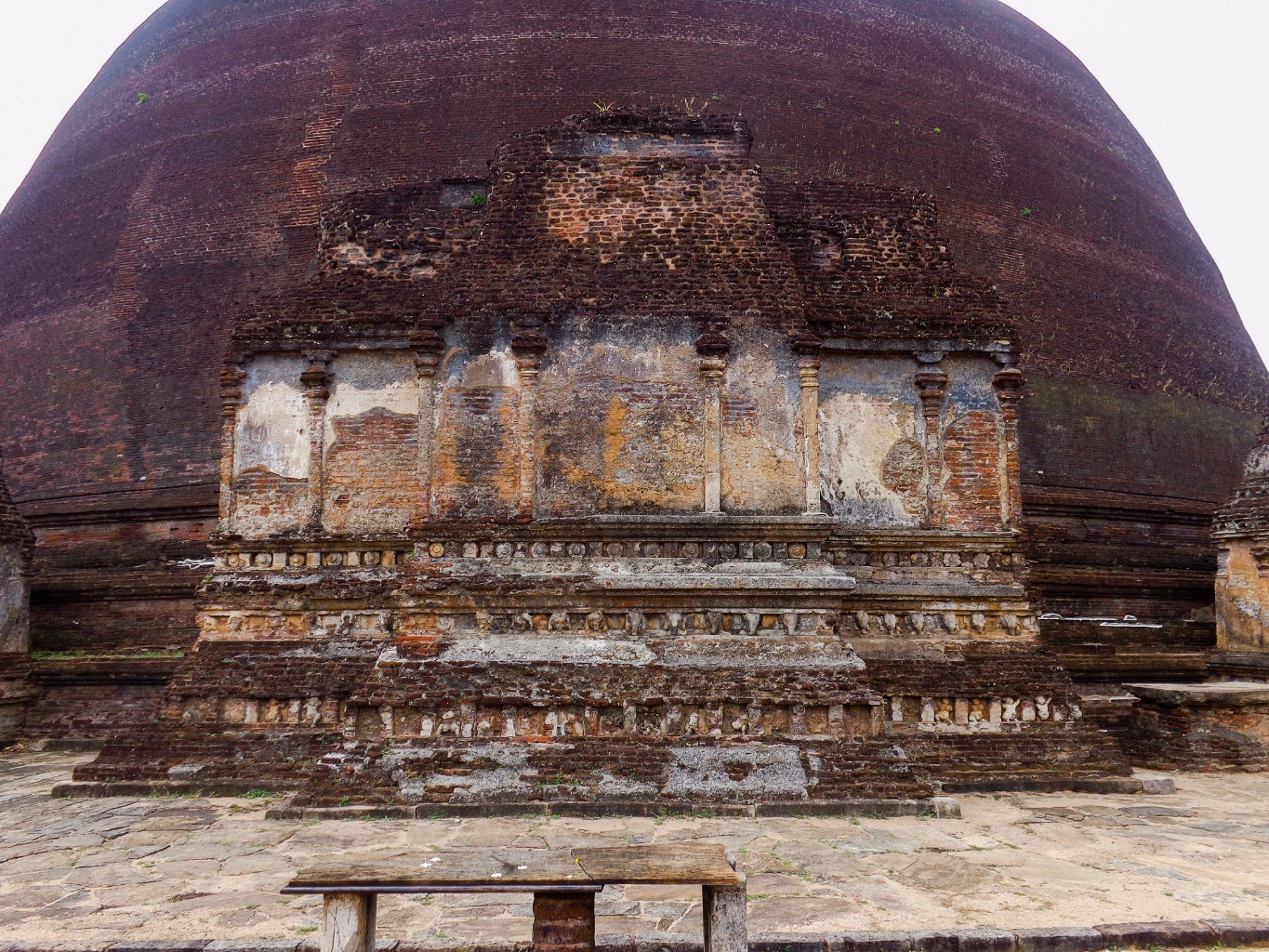 Rankoth-Vehera-Ancient-City-of-Polonnaruwa-8