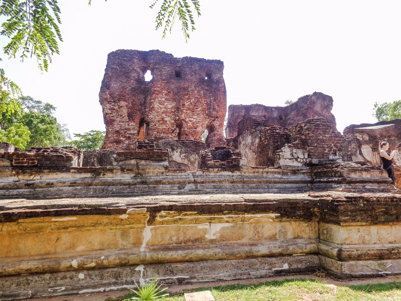 Palace-of-King-Parakramabahu-14