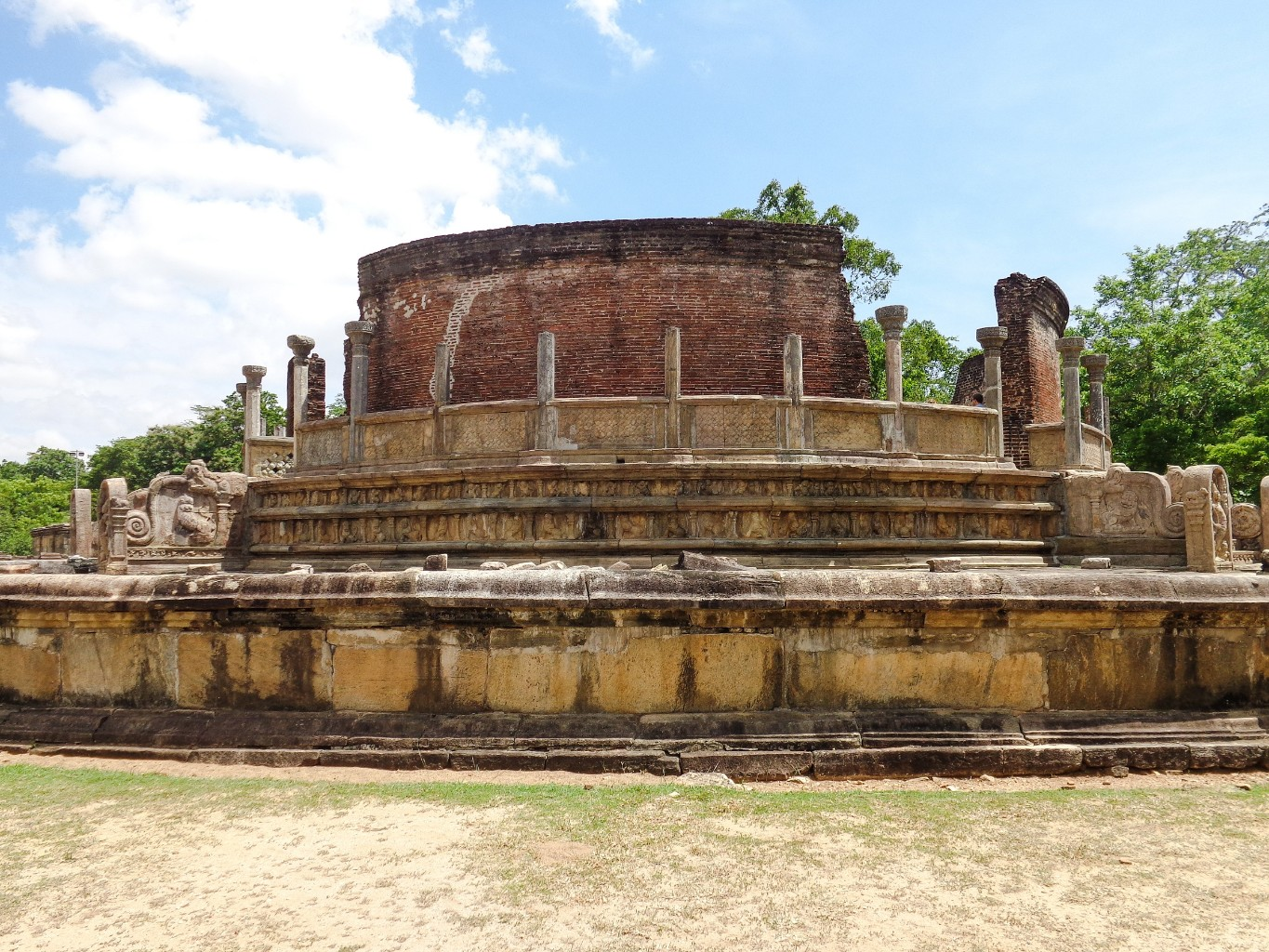Vatadage-Ancient-City-of-Polonnaruwa-1