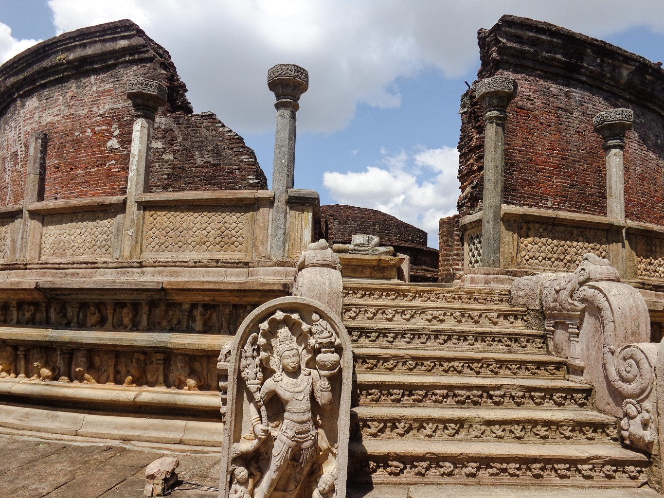 Vatadage-Ancient-City-of-Polonnaruwa-11