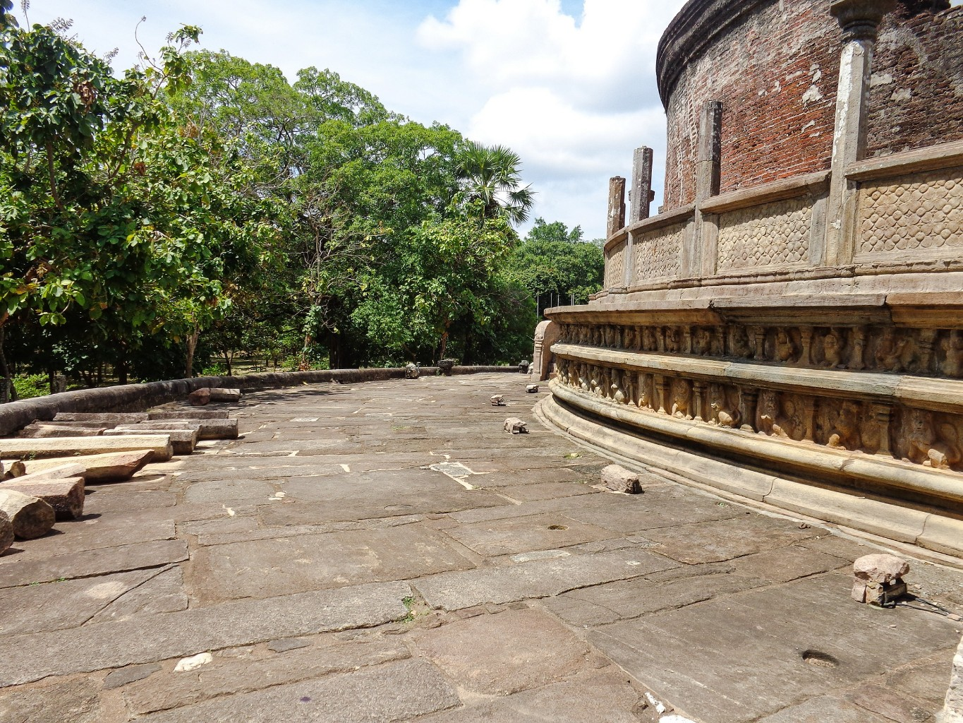 Vatadage-Ancient-City-of-Polonnaruwa-12