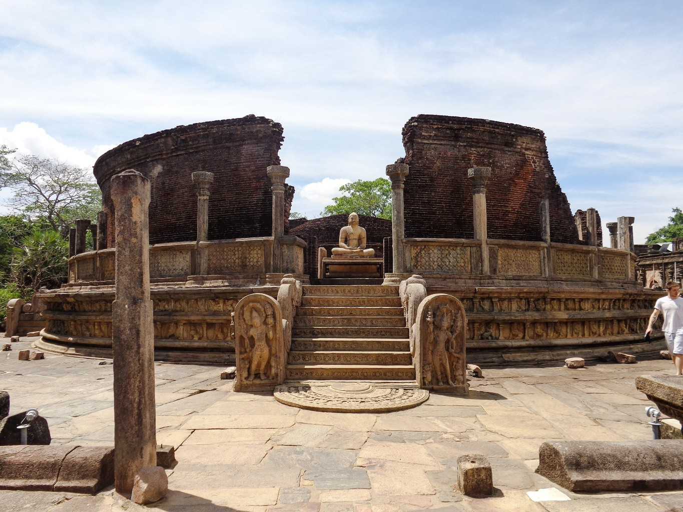Vatadage-Ancient-City-of-Polonnaruwa-14