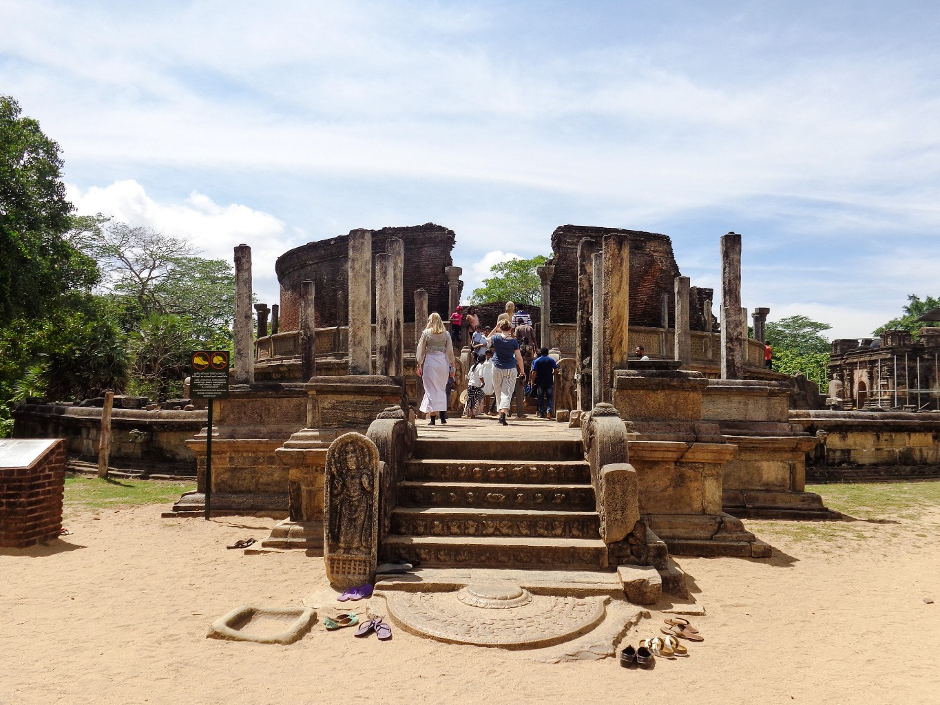 Vatadage-Ancient-City-of-Polonnaruwa-4