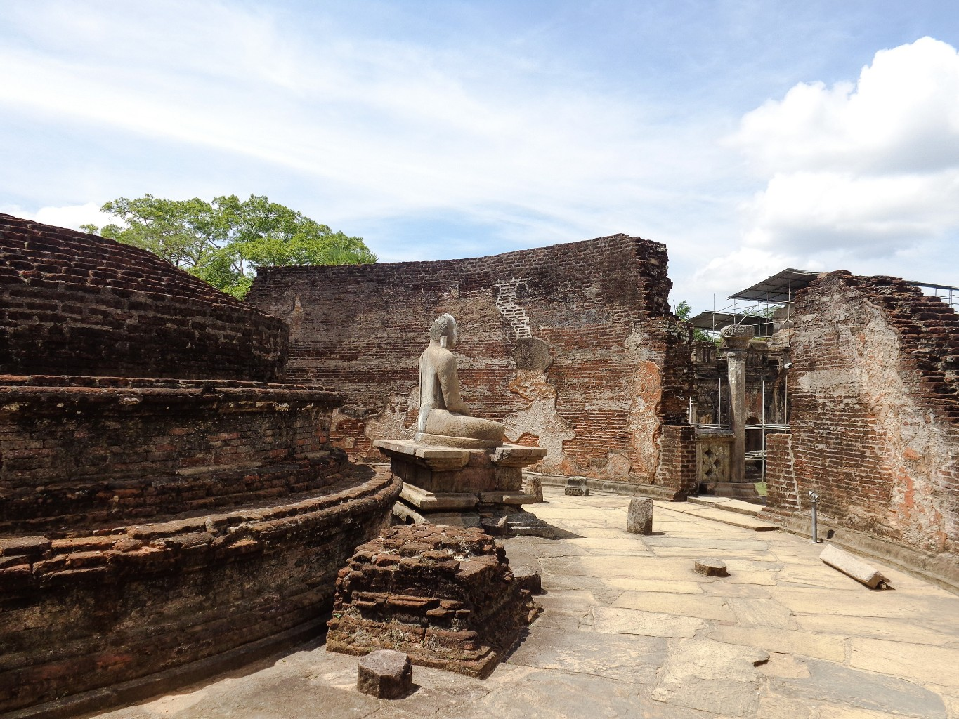 Vatadage-Ancient-City-of-Polonnaruwa-7