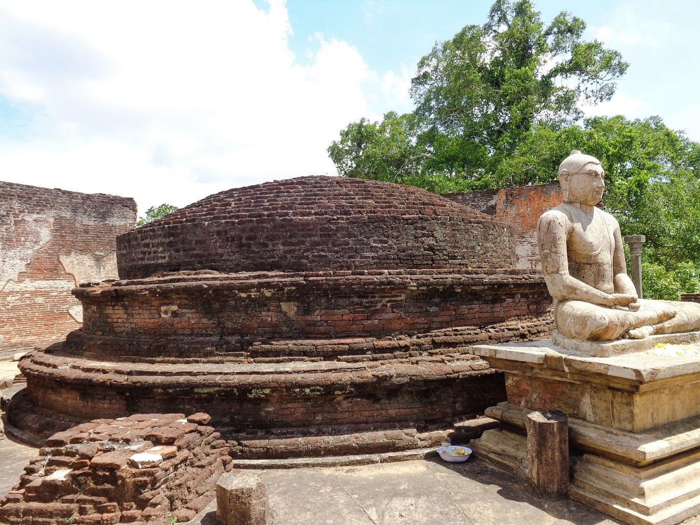 Vatadage-Ancient-City-of-Polonnaruwa-9