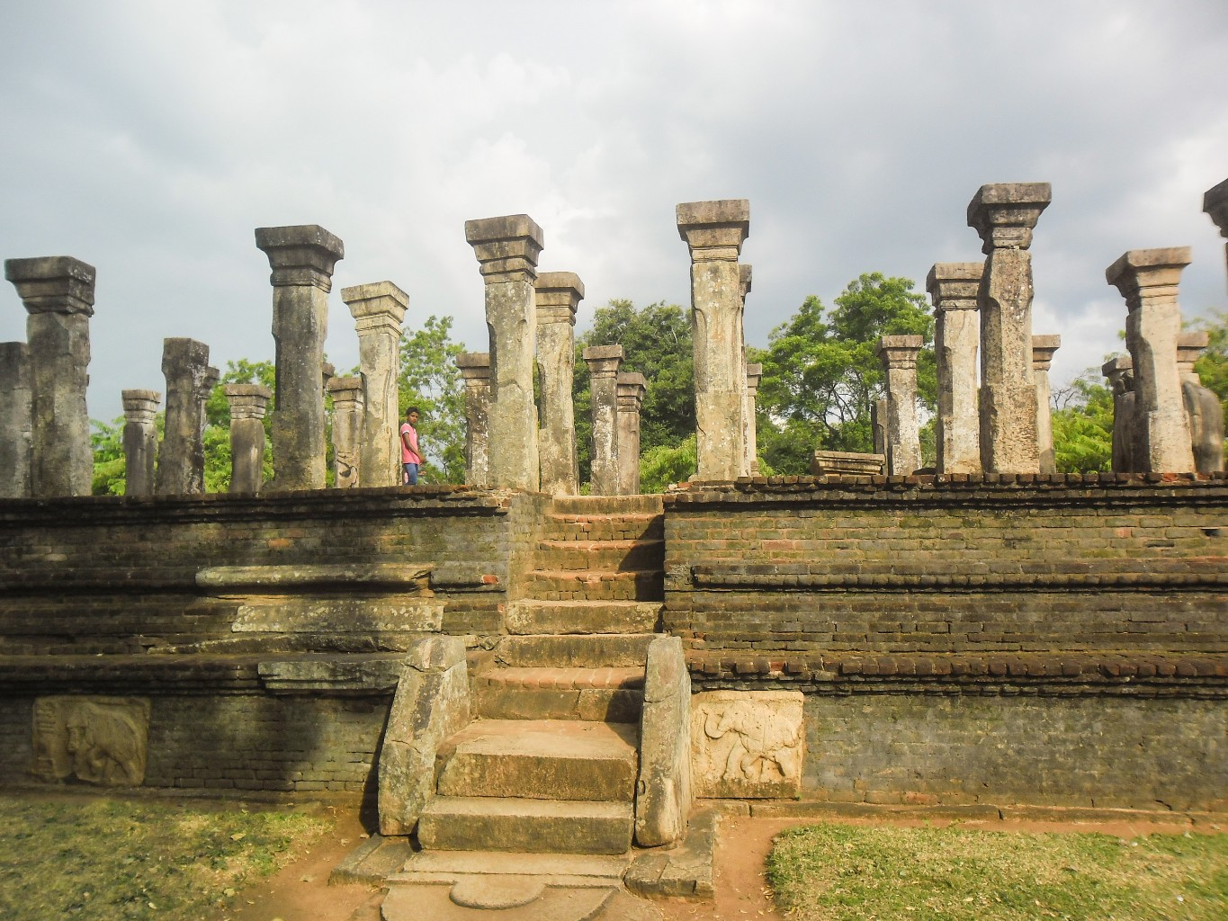 Council-Chamber-of-Nissankamalla-Ancient-City-of-Polonnaruwa-4