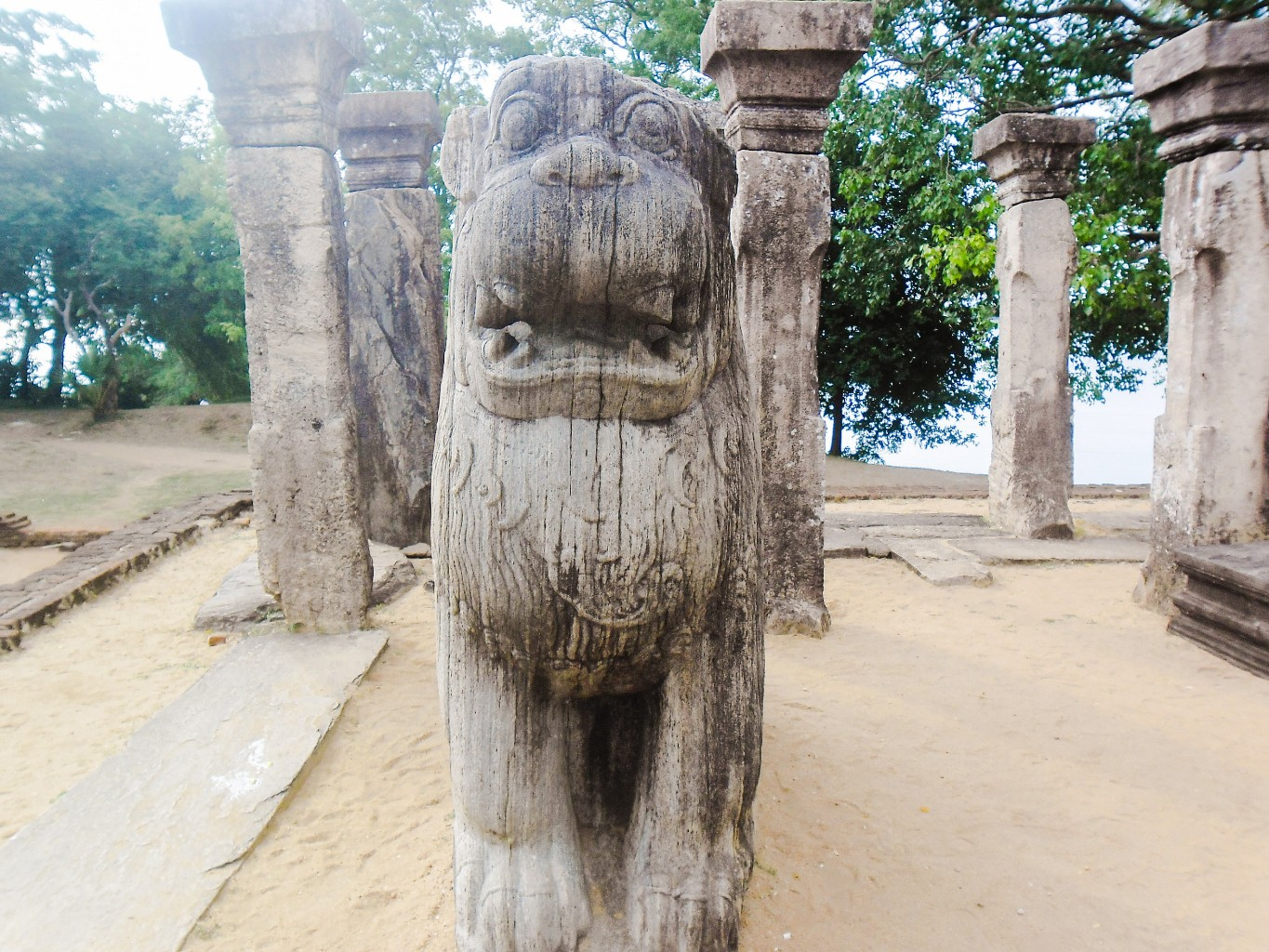 Council-Chamber-of-Nissankamalla-Ancient-City-of-Polonnaruwa-9