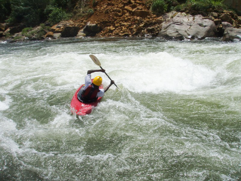 Kitulgala-Whitewater-Rafting-3