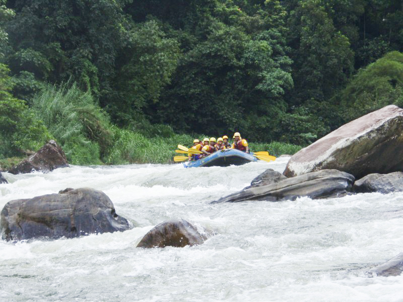 Kitulgala-Whitewater-Rafting-4