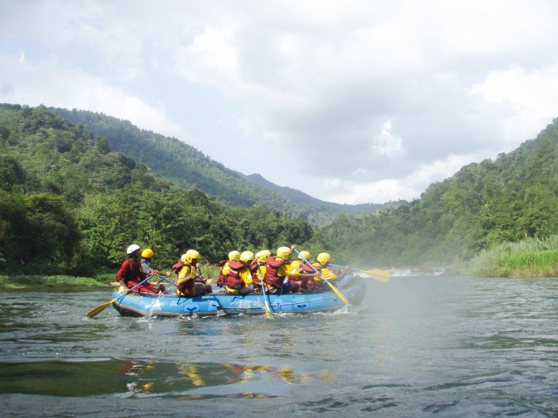 Kitulgala-Whitewater-Rafting-6