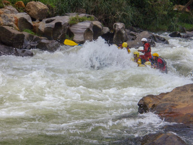 Whitewater-Rafting-in-Kitulgala-5